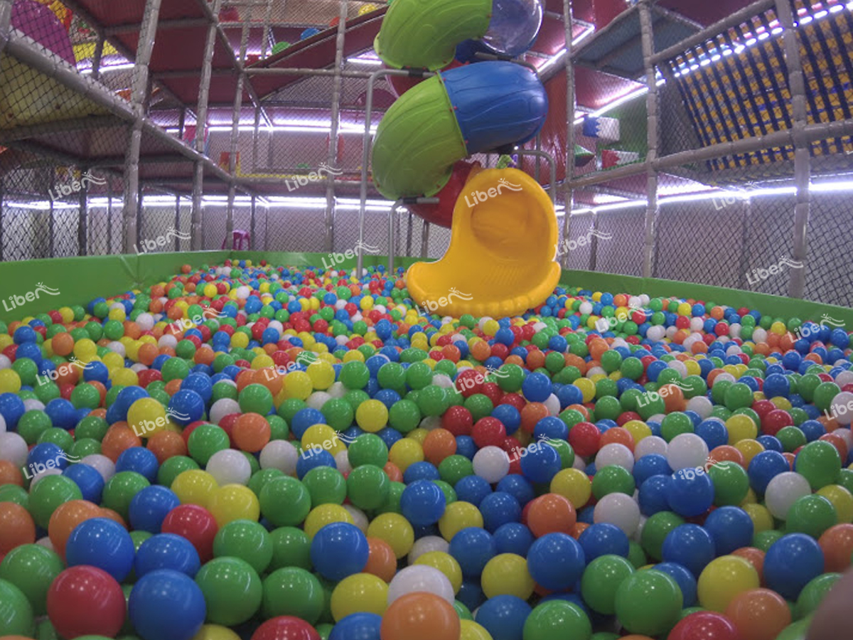 childrens playground equipment (1)